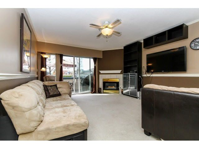 """Photo 4: Photos: 29 5666 208TH Street in Langley: Langley City Townhouse for sale in """"THE MEADOWS"""" : MLS®# F1437593"""