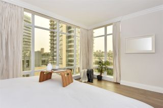 """Photo 10: 603 428 BEACH Crescent in Vancouver: Yaletown Condo for sale in """"Kings Landing"""" (Vancouver West)  : MLS®# R2202803"""