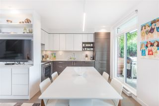 """Photo 8: 3171 QUEBEC Street in Vancouver: Mount Pleasant VE Townhouse for sale in """"Q16 - Quebec/16th"""" (Vancouver East)  : MLS®# R2401940"""