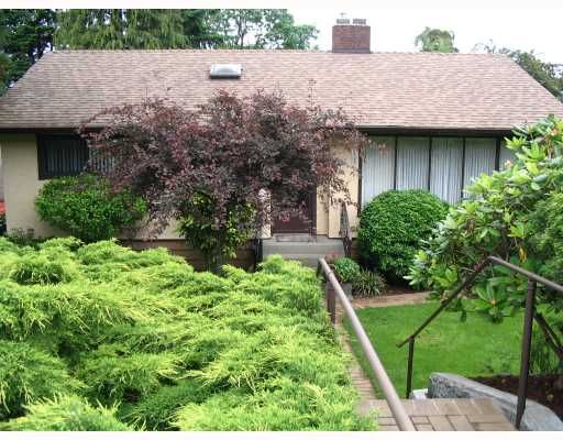 FEATURED LISTING: 3913 NITHSDALE Street Burnaby
