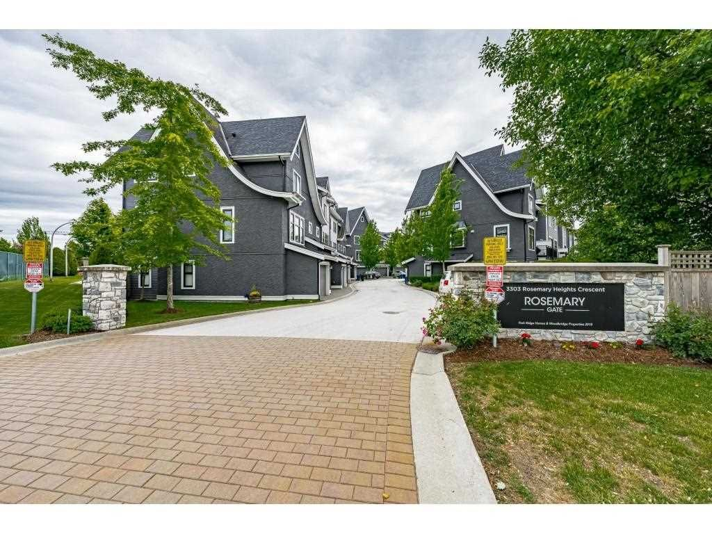 """Main Photo: 11 3303 ROSEMARY HEIGHTS Crescent in Surrey: Morgan Creek Townhouse for sale in """"Rosemary Gate"""" (South Surrey White Rock)  : MLS®# R2584142"""