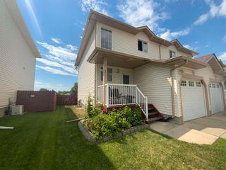 Photo 3: 5612 Garden Meadows Drive: Wetaskiwin House Half Duplex for sale : MLS®# E4251979