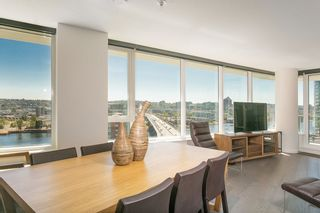 Photo 2: 1809 68 SMITHE STREET in Vancouver: Downtown VW Condo for sale (Vancouver West)  : MLS®# R2201355