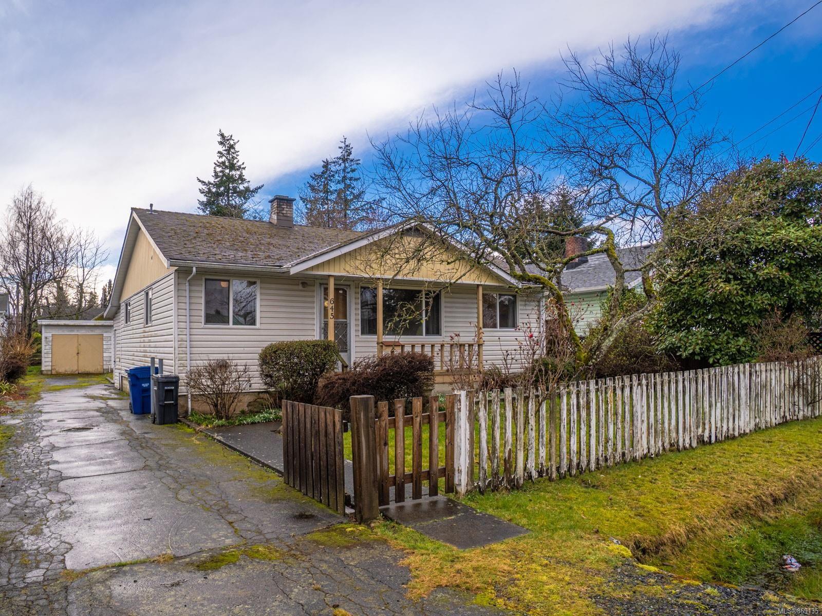 Main Photo: 645 Cadogan St in : Na Central Nanaimo House for sale (Nanaimo)  : MLS®# 869135