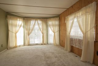 """Photo 10: 20 62780 FLOOD HOPE Road in Hope: Hope Center Manufactured Home for sale in """"LISMORE SENIORS COMMUNITY"""" : MLS®# R2206805"""