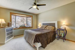 Photo 11: 724 35A Street NW in Calgary: Parkdale Detached for sale : MLS®# A1100563