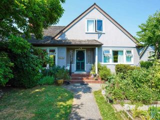 Main Photo: 2475 W 33RD Avenue in Vancouver: Quilchena House for sale (Vancouver West)  : MLS®# R2598391