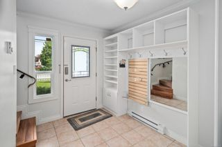 Photo 5: 7678 East Saanich Rd in : CS Saanichton House for sale (Central Saanich)  : MLS®# 877573