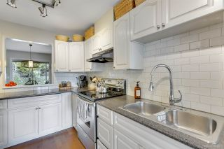Photo 8: 37 181 RAVINE Drive in Port Moody: Heritage Mountain Townhouse for sale : MLS®# R2371648