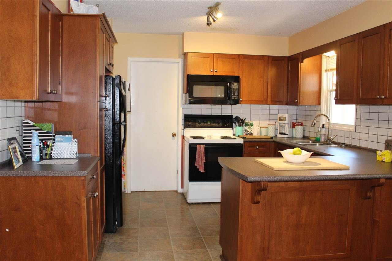 """Photo 7: Photos: 914 DAVIS Road in Gibsons: Gibsons & Area House for sale in """"TOWN OF GIBSONS"""" (Sunshine Coast)  : MLS®# R2478036"""