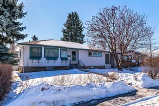 Photo 2: 447 36 Avenue NW in Calgary: Highland Park Detached for sale : MLS®# A1070695