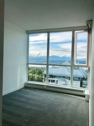 """Photo 21: 2410 10777 UNIVERSITY Drive in Surrey: Whalley Condo for sale in """"CITYPOINT"""" (North Surrey)  : MLS®# R2588021"""