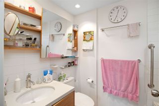 """Photo 12: 2530 CORNWALL Avenue in Vancouver: Kitsilano Townhouse for sale in """"NORTH OF 4TH AVENUE"""" (Vancouver West)  : MLS®# R2440158"""