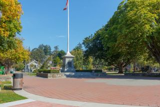 Photo 27: 307 520 Foster St in Esquimalt: Es Saxe Point Condo for sale : MLS®# 854189