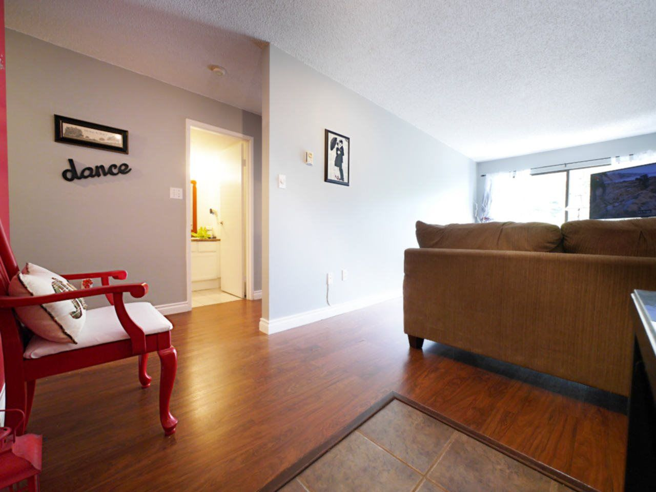 """Photo 9: Photos: 105 9952 149 Street in Surrey: Guildford Condo for sale in """"Tall Timbers"""" (North Surrey)  : MLS®# R2107429"""
