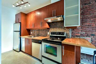 """Photo 3: 204 1230 HAMILTON Street in Vancouver: Yaletown Condo for sale in """"THE COOPERAGE"""" (Vancouver West)  : MLS®# R2549610"""