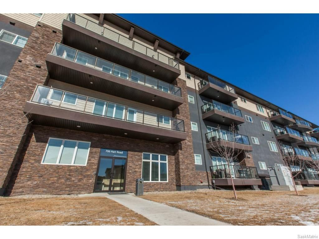 Main Photo: 207 706 Hart Road in Saskatoon: Blairemore S.C. Residential for sale : MLS®# SK611964