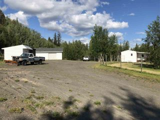 """Photo 2: 46520 EAST BAY Road: Cluculz Lake Manufactured Home for sale in """"Cluculz Lake"""" (PG Rural West (Zone 77))  : MLS®# R2387256"""