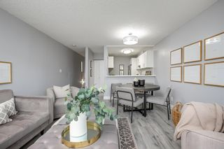 """Photo 4: 7 1870 YEW Street in Vancouver: Kitsilano Townhouse for sale in """"NEWPORT MEWS"""" (Vancouver West)  : MLS®# R2592619"""