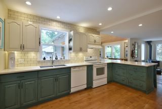 Photo 3: 256 KNIGHT Road in Gibsons: Gibsons & Area House for sale (Sunshine Coast)  : MLS®# R2600569