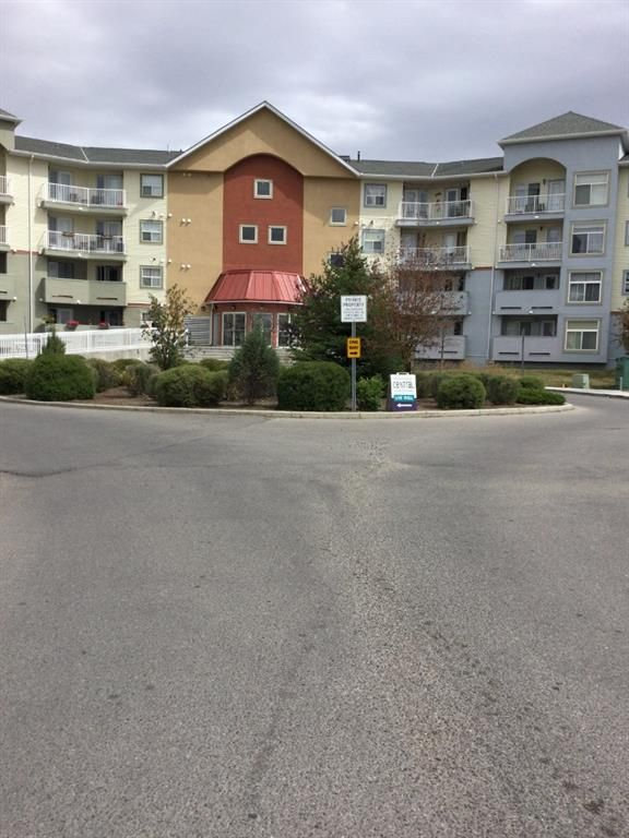 Main Photo: 2430 700 Willowbrook Road NW: Airdrie Apartment for sale : MLS®# A1137770
