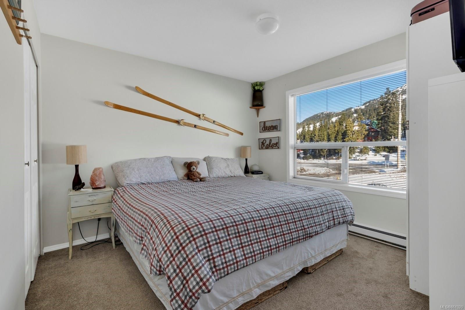 Main Photo: 207 1105 Henry Rd in : CV Mt Washington Condo for sale (Comox Valley)  : MLS®# 861320
