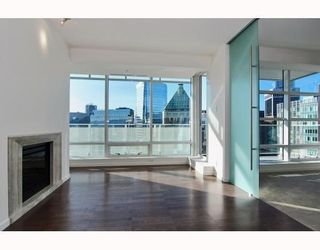 Photo 2: # 2906 1011 W CORDOVA ST in Vancouver: Condo for sale : MLS®# V811000