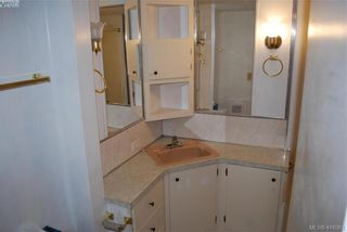 Photo 15: 19 1201 Craigflower Rd in VICTORIA: VR Glentana Manufactured Home for sale (View Royal)  : MLS®# 825952