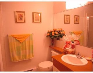 """Photo 7: 105 6033 KATSURA Street in Richmond: McLennan North Condo for sale in """"THE RED I"""" : MLS®# V679082"""