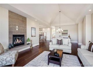 Photo 11: 2071 Hedgestone Lane in VICTORIA: La Bear Mountain Residential for sale (Langford)  : MLS®# 339240