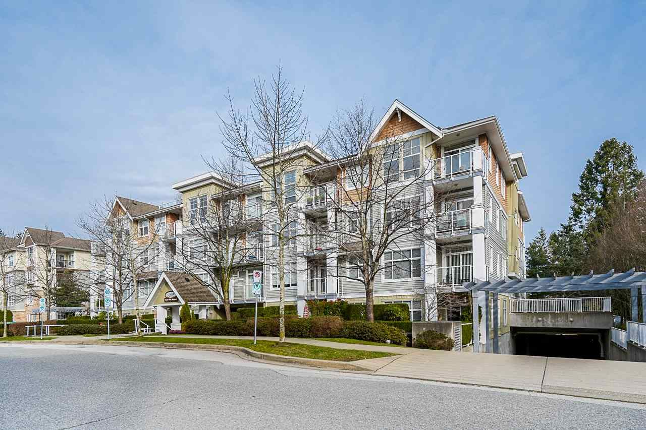 Main Photo: 206 15299 17A AVENUE in Surrey: King George Corridor Condo for sale (South Surrey White Rock)  : MLS®# R2551482