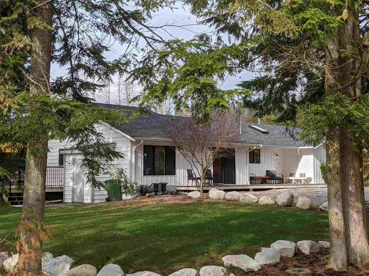 Main Photo: 9239 STAVE LAKE Street in Mission: Mission BC House for sale : MLS®# R2544164