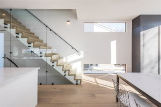 Photo 7: 7616 83 Avenue NW in Edmonton: Zone 18 House for sale : MLS®# E4228915