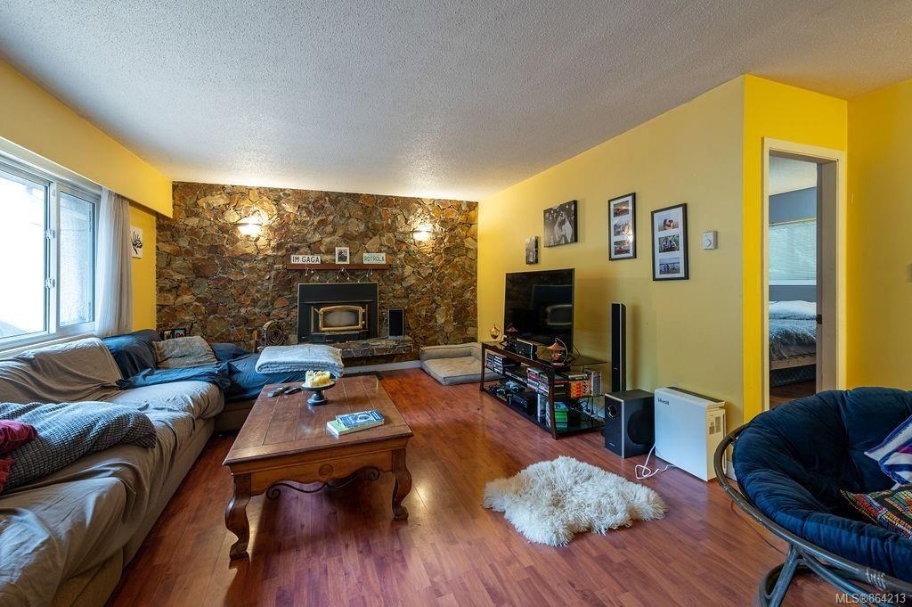 Photo 7: Photos: 2978 Woodridge Pl in : Hi Eastern Highlands House for sale (Highlands)  : MLS®# 864213