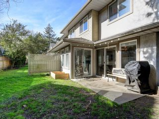 Photo 21: 12 2669 Shelbourne St in : Vi Jubilee Row/Townhouse for sale (Victoria)  : MLS®# 869567