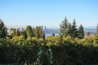 Photo 1: 348 E 25TH Street in North Vancouver: Upper Lonsdale House for sale : MLS®# R2620554