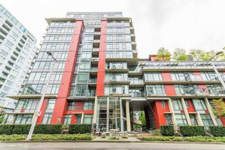 """Photo 2: 315 38 W 1ST Avenue in Vancouver: False Creek Condo for sale in """"The One"""" (Vancouver West)  : MLS®# R2597400"""