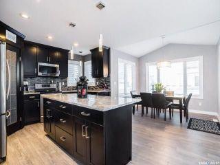 Photo 2: 914 Werschner Crescent in Saskatoon: Rosewood Residential for sale : MLS®# SK726872