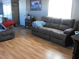 Photo 2: 5202 56: Elk Point Manufactured Home for sale : MLS®# E4233132