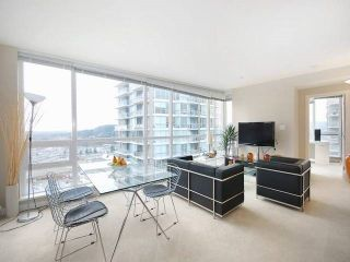 """Photo 1: 3006 2978 GLEN Drive in Coquitlam: North Coquitlam Condo for sale in """"GRAND CENTRAL ONE"""" : MLS®# R2139027"""