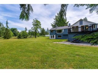 Photo 1: 5900 BAYNES Street in Abbotsford: Bradner House for sale : MLS®# R2380000