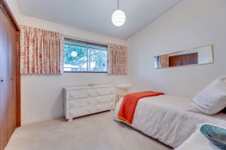 """Photo 13: 3321 DALEBRIGHT Drive in Burnaby: Government Road House for sale in """"GOVERNMENT RD AREA"""" (Burnaby North)  : MLS®# R2268285"""