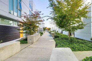 """Photo 2: 750 W 6TH Avenue in Vancouver: Fairview VW Townhouse for sale in """"SIXTH + STEEL"""" (Vancouver West)  : MLS®# R2313387"""