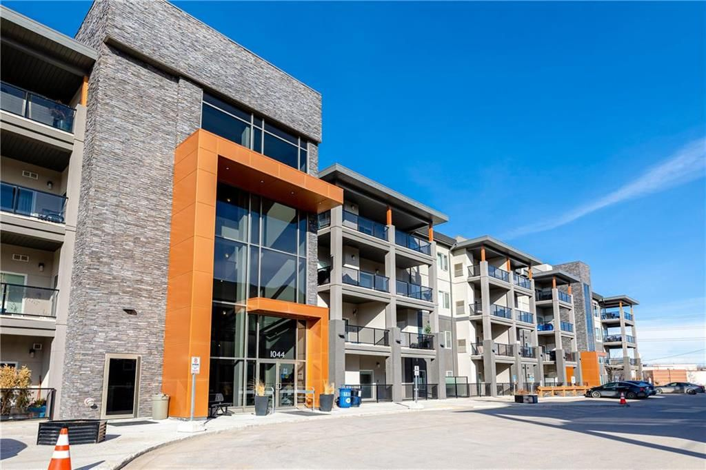 Main Photo: 111 1044 Wilkes Avenue in Winnipeg: Linden Woods Condominium for sale (1M)  : MLS®# 202105664