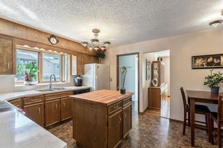 Photo 12: 16 WOODFIELD Court SW in Calgary: Woodbine Detached for sale : MLS®# C4266334