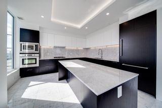 Photo 9: 3901 10180 103 Street in Edmonton: Zone 12 Condo for sale : MLS®# E4251594