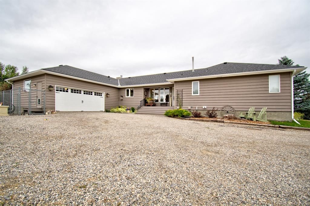 Main Photo: 273146 Lochend Road in Rural Rocky View County: Rural Rocky View MD Detached for sale : MLS®# A1132685