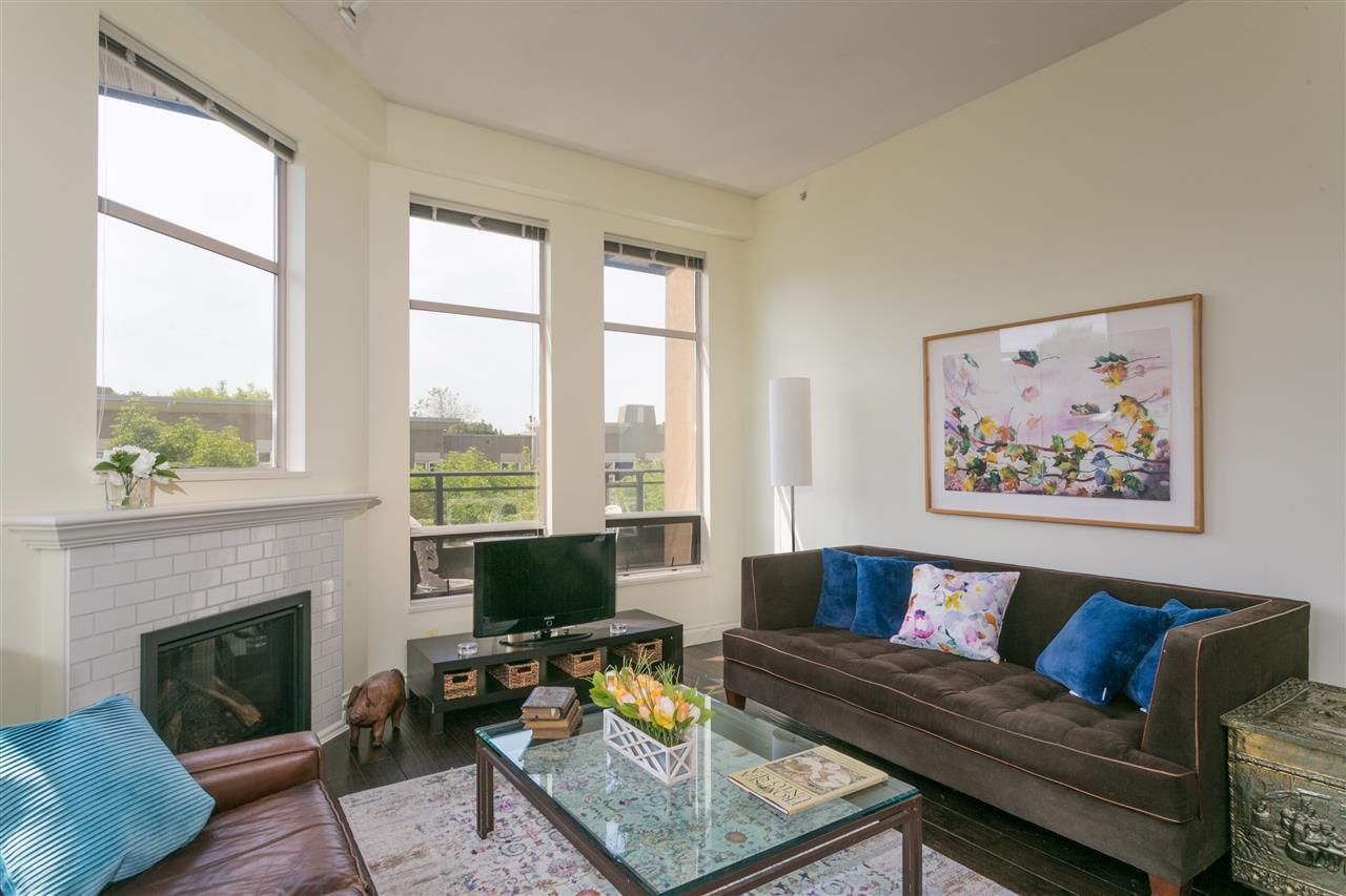 """Photo 2: Photos: 404 2175 SALAL Drive in Vancouver: Kitsilano Condo for sale in """"Savona"""" (Vancouver West)  : MLS®# R2397465"""