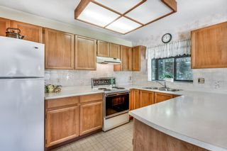 """Photo 11: 201 13858 102 Avenue in Surrey: Whalley Townhouse for sale in """"GLENDALE VILLAGE"""" (North Surrey)  : MLS®# R2605283"""