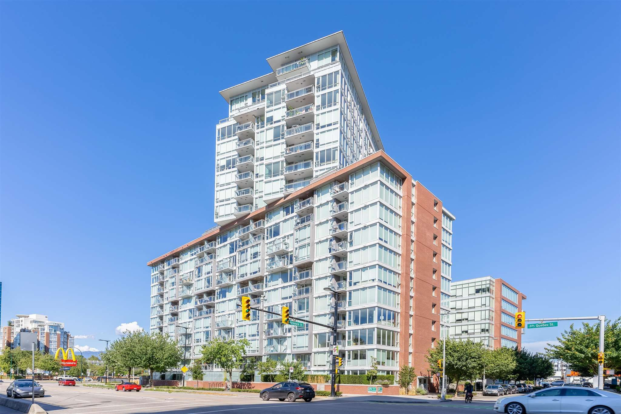 Main Photo: 1102 1618 QUEBEC STREET in Vancouver: Mount Pleasant VE Condo for sale (Vancouver East)  : MLS®# R2602911
